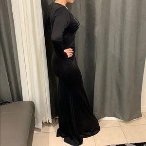 GOODTIME Dresses - Beautiful long black dress size Large